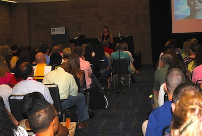 Gruver addresses crowd at APCO Conference