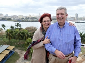 Sheila and Ed Hula in Havana (Photo by Alan Abrahamson)