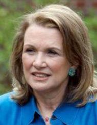 Elizabeth Edwards should be commended, not criticized.
