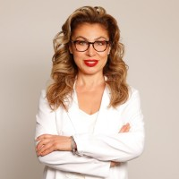 Dr. Romina Ghassemi discusses Healthy Habits: Posture Correction with Motherhood Moment