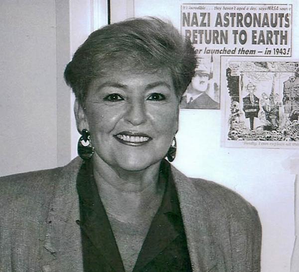 Linda Hunt -- Media Critic